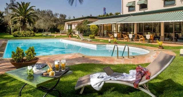 Hotel fiano romano best western park hotel roma nord 4 - Hotel piscina roma ...
